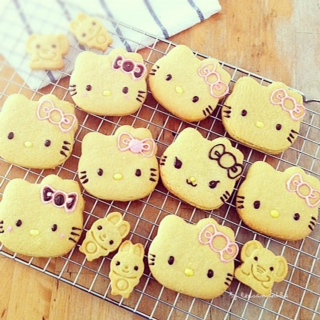 Hello kitty, sanrio, cute food, cute, cat, cookies, cookie, decorated cookies, kids, birthday, celebration cookies, celebrations, parties, party